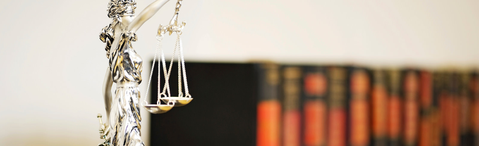 Bild Header: Justizia - Rechtsanwaltskanzlei Spiegelhalter